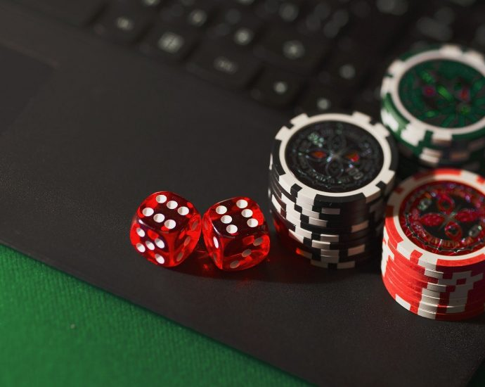 Before Joining Online Casino 690x550 - Things to Know Before Joining an Online Casino In New Zealand