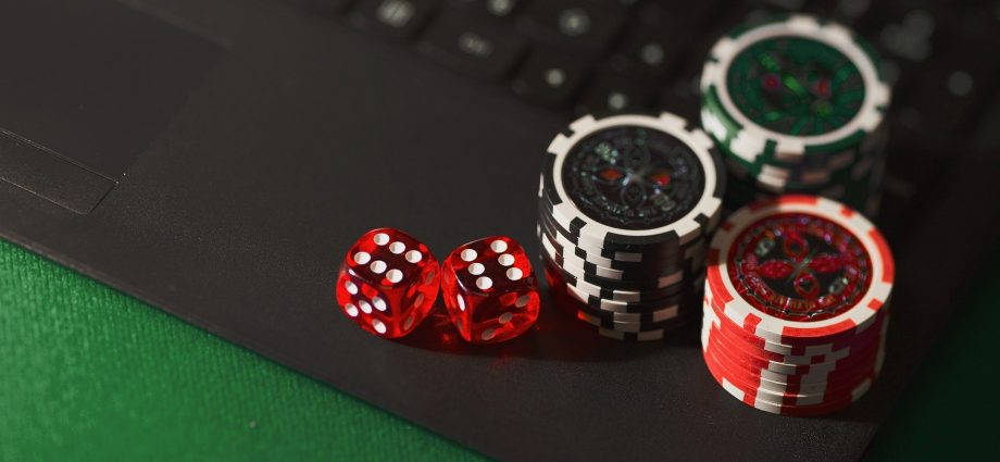 Before Joining Online Casino 920x425 - Things to Know Before Joining an Online Casino In New Zealand