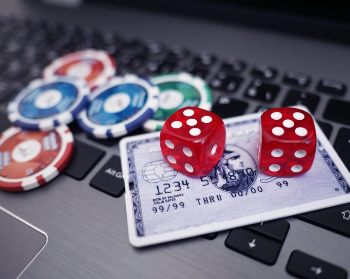 Deposits Withdrawels 690x550 - The Online Deposit and Withdrawal Options in New Zealand Casinos