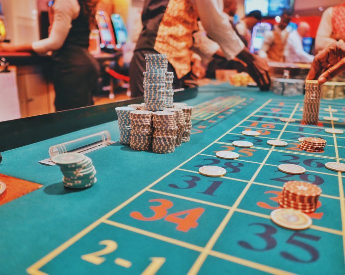 roulette 690x550 - Popular Casino Games to Try Your Luck
